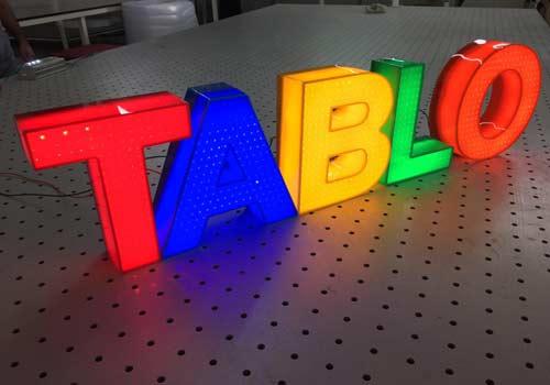 تابلوهای حروف برجسته پلاستیک سه بعدی وکیوم